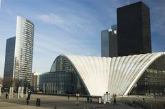 Moderne Architektur in Paris Stockbilder