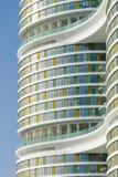 Moderne Architekturfassade Lizenzfreie Stockbilder