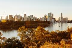 Moderne Australische stad bij zonsondergang Royalty-vrije Stock Foto's