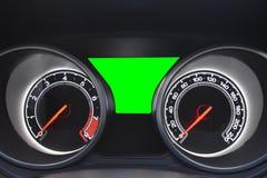 Moderne Automobilsteuerung des Armaturenbretts und grüner Schirm mit Cl Stockbild