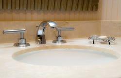 Moderne Badezimmer-Wanne. Lizenzfreie Stockfotografie
