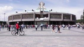 Moderne Basiliek van Onze Mary van Guadalupe, Mexico-City stock videobeelden