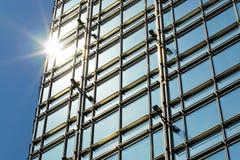Moderne bedrijfs de bouwbuitenkant Stock Afbeeldingen