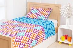 Moderne Bettwäsche Eingestellt Mit Geometrischen Formen Stockbild