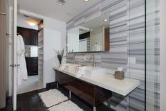 Moderne binnenlandse badkamers Stock Foto