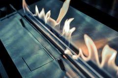 Moderne biofireplotopen haard op ethylalcoholgas royalty-vrije stock afbeelding