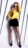 Moderne blonde Damenaufstellung Lizenzfreies Stockbild