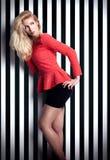 Moderne blonde Damenaufstellung Stockbilder