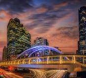 Moderne Brücke an der Bahnstation in Bangkok Stockbild