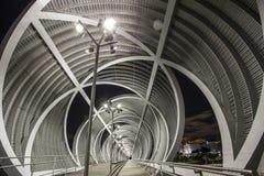 Moderne Brücke in Madrid Stockbild