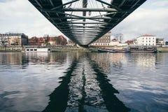 Moderne Brücke Polens Krakau stockbild