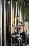 Moderne Brauereiausrüstung Stockfotografie