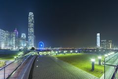 Moderne bureaugebouwen in Hong Kong City bij nacht Stock Foto