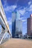Moderne bureaugebouwen in Kop van Zuid, Rotterdam, Nederland stock afbeelding