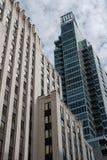 Moderne bureaus en privé flats in een stadscentrum royalty-vrije stock afbeelding