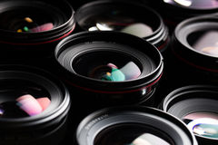 Moderne cameralenzen met bezinningen stock foto