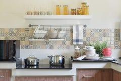 Moderne ceramische keukengerei en werktuigen Stock Foto