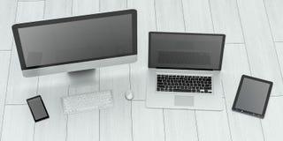 Moderne computerlaptop mobiele telefoon en tablet het 3D teruggeven Stock Fotografie