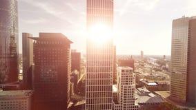 Moderne de architectuurachtergrond van de stadshorizon stock video
