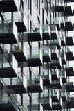 Moderne Ebenen mit Balkonen Stockbild