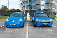 Moderne Elektroautoaufladung Lizenzfreies Stockfoto