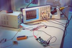 Moderne elektronische Ausrüstung in Computer-Service-Center Lizenzfreies Stockfoto