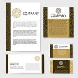Moderne en dynamische ontwerpen Ornament voor uw ontwerp met kantmandala Royalty-vrije Stock Foto