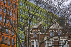 Moderne en oude gebouwen Stock Foto's