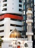 Moderne en traditionele godsdienstige architectuur in Abu Dhabi Royalty-vrije Stock Foto's