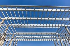 Moderne errichtende hohle Decke des Handelsgebäudes lizenzfreie stockfotografie