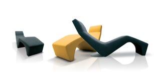 Moderne farbige Stühle Stockfotos