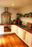 Moderne flache Küche Stockbild