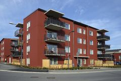 Moderne flatgebouwen Stock Afbeeldingen