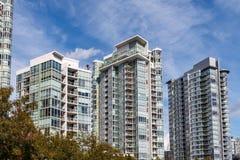 Moderne flatgebouwen Royalty-vrije Stock Afbeelding