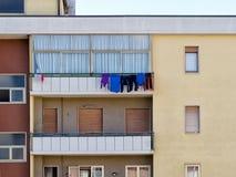 Moderne flats, vlakten met online wassen Stock Afbeeldingen