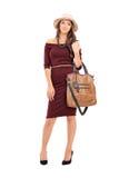 Moderne Frau, die eine modische Tasche trägt Stockfotos