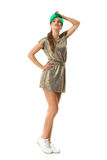 Moderne Frau im Gold Mini Dress Lizenzfreie Stockfotos