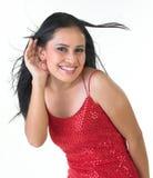 Moderne Frau im Hörfähigkeitsausdruck stockfotografie