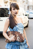 Moderne Frau Milan Men-` s an der Mode-Woche Lizenzfreie Stockfotografie
