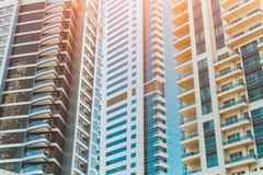 Moderne futuristische Wolkenkratzer lizenzfreie stockbilder