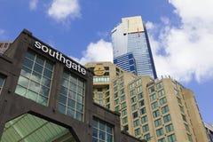 Moderne Gebäude in der Southbank-Region von im Stadtzentrum gelegenem Melbourne, Australien Lizenzfreie Stockfotos