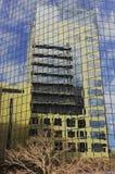 Moderne Gebäude-Reflexion Lizenzfreies Stockfoto