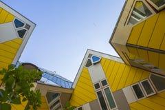 Moderne Gebäude-Stadt-Architektur-Gestaltungselemente bekannt als die Kubikhäuser entworfen von Piet Blom Lizenzfreie Stockfotografie
