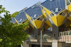Moderne Gebäude-Stadt-Architektur-Gestaltungselemente bekannt als Kubikhäuser Lizenzfreie Stockfotos