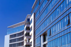 Moderne Gebäudearchitektur von Olivia Business Centre Lizenzfreie Stockfotografie