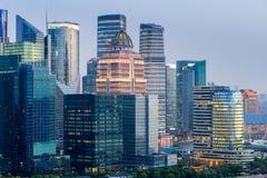 Moderne Gebäudenahaufnahme in Shanghai Stockbild