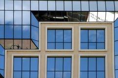 Moderne gebouwen 9 van bezinningen Stock Foto's