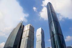 Moderne gebouwen binnen de stad in Royalty-vrije Stock Foto's
