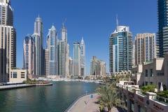 Moderne gebouwen in de Jachthaven van Doubai Royalty-vrije Stock Afbeelding