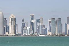 Moderne gebouwen in Doha Stock Foto's